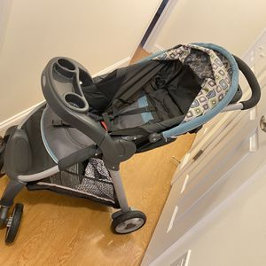 Car seat + Stroller With Very Good Condition for Sale in Framingham, MA