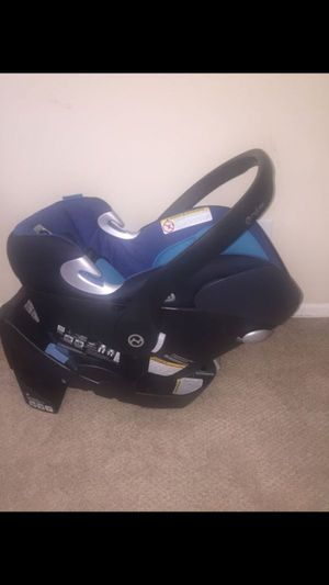 Baby car seat Cybex + seat base and mirror for Sale in Los Angeles, CA