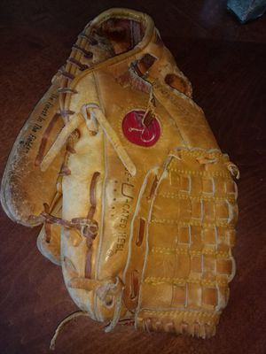 Vintage Softball Glove for Sale in Cleveland, OH