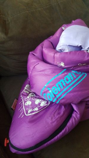 Purple Coleman sleeping bag. for Sale in Chandler, AZ