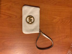 Michael Kors wristlet for Sale in S CHESTERFLD, VA