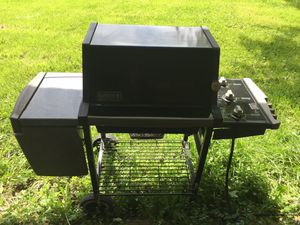 Weber Natural Gas BBQ Grill Nice Clean for Sale in HOFFMAN EST, IL