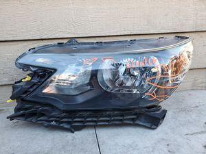 Left headlight Cr-v 2012 2013 2014 for Sale in Long Beach, CA
