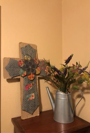 Rustic cross and watering can floral for Sale in Katy, TX
