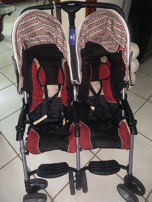 Combi double stroller for Sale in Miami, FL