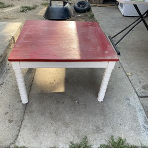 Coffee Or Kids Table for Sale in Dinuba, CA