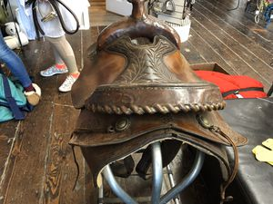 """Hereford roping saddle 16"""" for Sale in Stanwood, WA"""