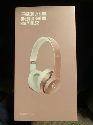 Beats Solo wireless 2 (Rose Gold) for Sale in San Bernardino, CA