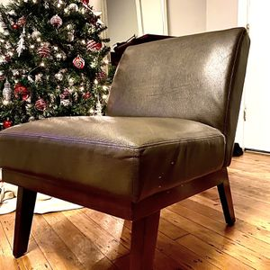 Faux Leather Chair for Sale in Los Angeles, CA