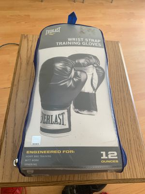 Everlast boxing training gloves for Sale in Los Angeles, CA