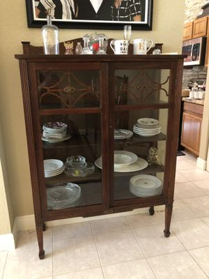 Antique china cabinet for Sale in Lake Worth, FL