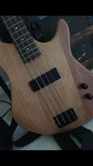 4-string bass guitar OPTIONAL AMP INCLUDED for Sale in Westfield, IN
