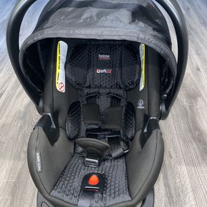 Britax Car Seat for Sale in Woonsocket, RI