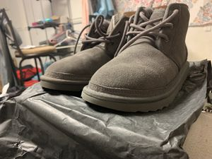 Gray UGGs Size 6 for Sale in Crofton, MD