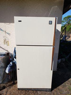 Refrigerator for Sale in Lehigh Acres, FL