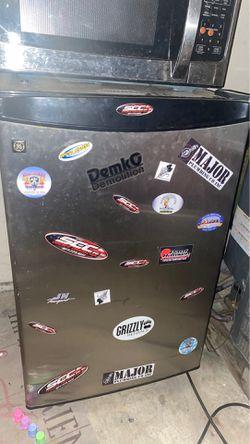 Mini fridge for Sale in Santee,  CA