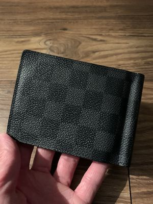 Louis Vuitton wallet for Sale in Charlotte, NC