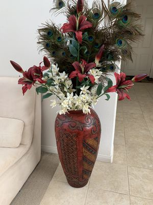 Large floor vase for Sale in Corona, CA