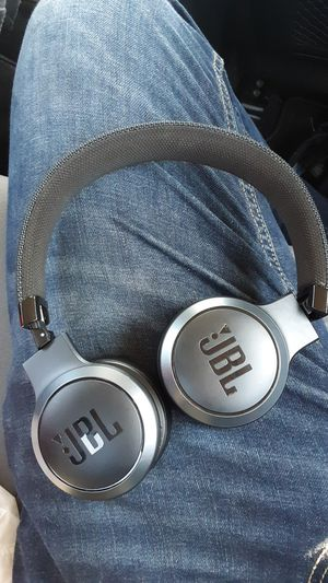 JBL wireless headphones for Sale in Baltimore, MD