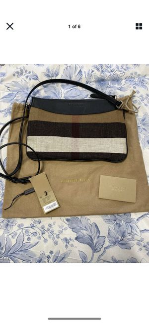 Burberry Peyton House Crossbody for Sale in Woodbridge, VA