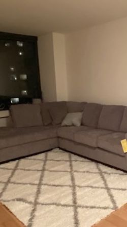 Sectional Couch (Pull Out still In Wrapping) W/ Pillows for Sale in New York,  NY