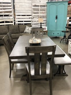 Dinning table retail price at $1857 now for only $1237 you can take it home with only $40 down payment for Sale in Nashville,  TN
