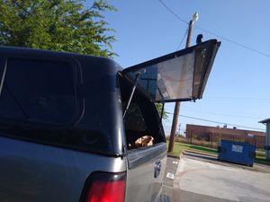 Camper fits on a gmc Sierra for Sale in Arlington, TX
