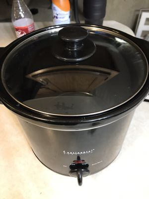 Continental crock pot for Sale in St. Peters, MO