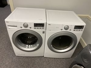 LG HIGH EFFICIENCY FRONT LOAD WASHER AND DRYER SET for Sale in Fort Mill, SC