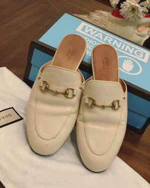 Gucci Fashionable loafers slippers size 37 for Sale in Rosemead, CA