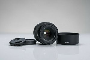 Sony 50mm 1.8 FE Camera Lens for Sony E FE Mount for Sale in Frisco, TX