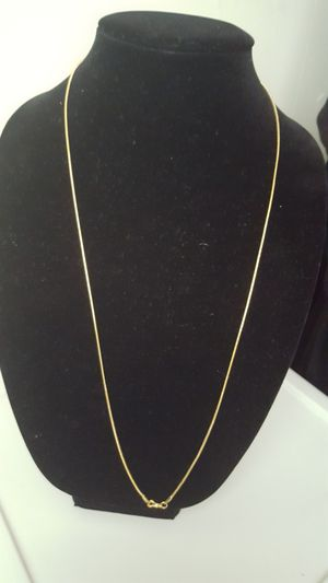 """huge Necklace 14k gold plated, 11.20g Sz30""""inches. long necklace and beautiful design. for Sale in Covington, KY"""