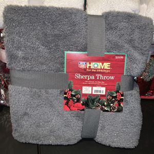 NEW Sherpa Throw Blanket with silver sparkles for Sale in Los Angeles, CA