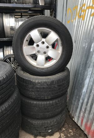 "17"" Jeep wheels rims tires 255/60/17 $150 for all 4 holding air for Sale in Cicero, IL"