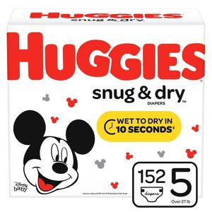 152 CT size 5 Huggie diapers/ 3 pack wipes for Sale in Seattle, WA