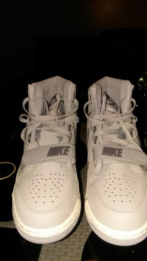 Nikes shoes 10 1/2 for Sale in Cleveland, OH