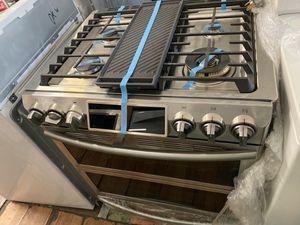 """Samsung dual fuel range 30"""" flex oven for Sale in Costa Mesa, CA"""