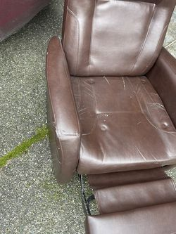 FREE Rocking Chair for Sale in Lynnwood,  WA