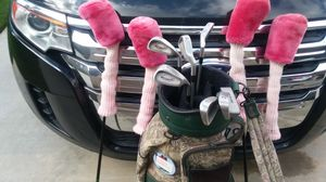Womans golf bag and clubs for Sale in Wildomar, CA