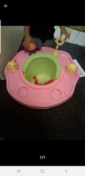 Summer Infant Deluxe SuperSeat Island Giggles - Girl for Sale in Houston, TX