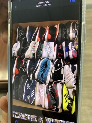 Adidas y toms por mayoreo for Sale in Hayward, CA