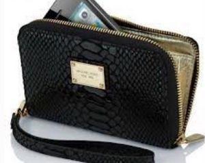 Micheal Kors wallet for IPhones 3,4,5 for Sale in Ashburn, VA