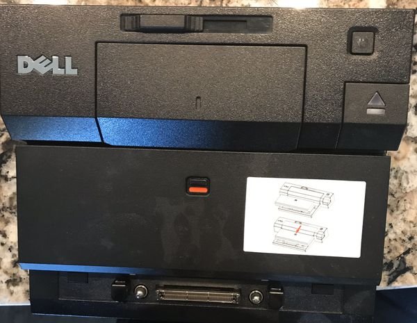 Dell K07A Docking station with spacer bar