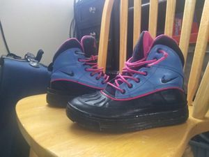 Nike boots size 4.5Y for Sale in Louisville, KY