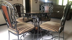Dining table for Sale in Peoria, IL