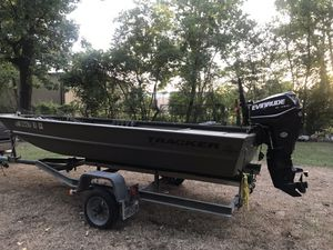 2008 - 16 ft. Tracker boat, trailer and 25 horse power Evinrude Motor for Sale in Channelview, TX
