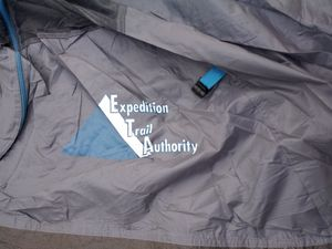 $20 Camping tent fits 2 adults complete for Sale in San Leandro, CA