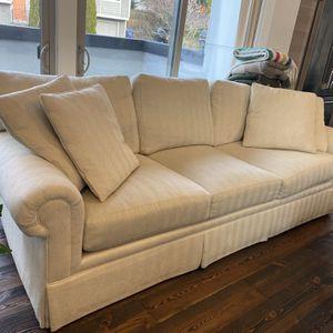 Beautiful Oversized American Made Century Sofa for Sale in Seattle, WA