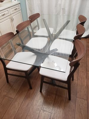 Glass kitchen table with chairs for Sale in Fresno, CA
