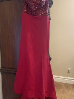 Red Off Shoulder Dress Size 8 for Sale in El Cajon,  CA